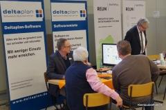 Jendrik Schneider von der Deltaplan Datenverarbeitung zeigt Softwarelösungen für Busunternehmen