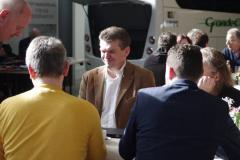 Ludwig Wimberger vom Sitzhersteller Kiel beim Planen der Ausstattung